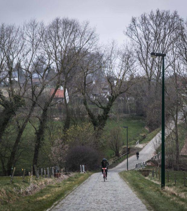 Wiggins In Flanders 51 Bw Haaghoek Up Again